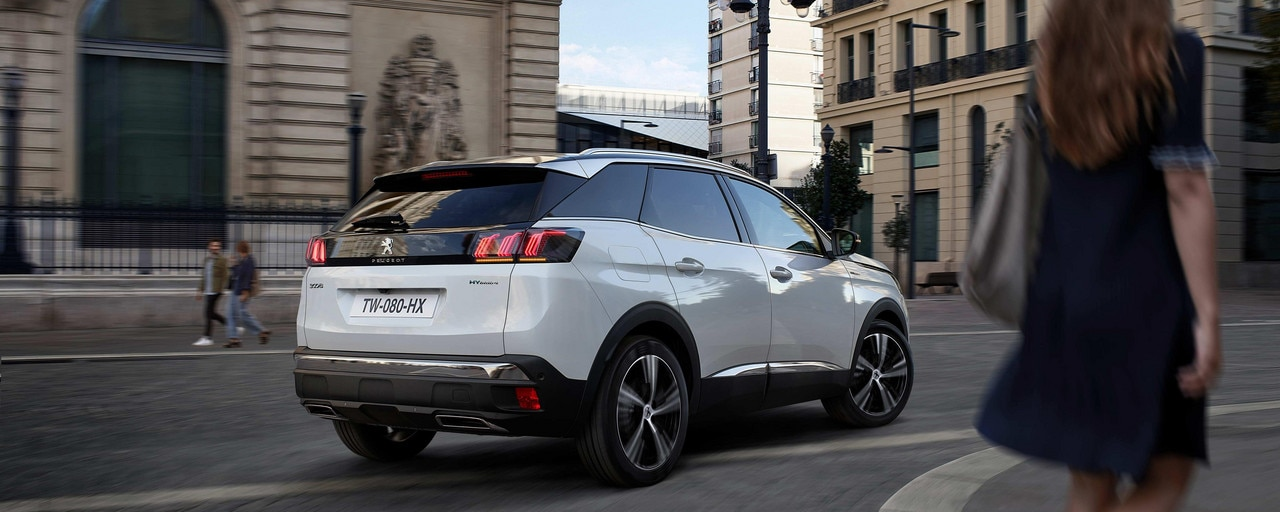 New PEUGEOT 3008 SUV HYBRID - Rear panel with full LED lights